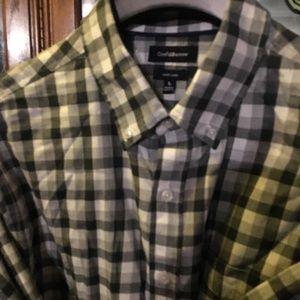 Botton down long sleeve shirt size large